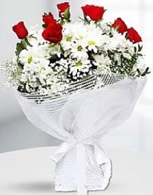 7 kırmızı gül ve papatyalar buketi  Ankara hediye sevgilime hediye çiçek
