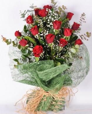 Kız isteme buketi çiçeği söz 15 güllü  Ankarada çiçek gönderme sitemiz güvenlidir