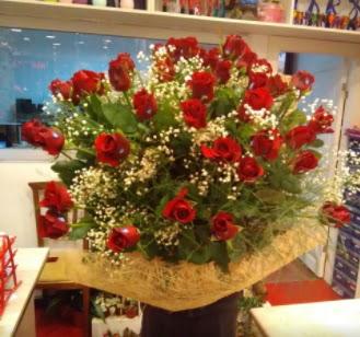 Kız isteme çiçeği buketi 33 gülden  Ankara çiçekçi telefonları