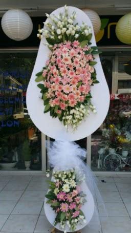 Çift katlı özel şahane sepet çiçeği  Ankaraya çiçek yolla