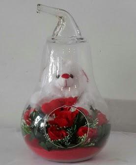 Orta boy cam armut Ayıcık ve yapay güller  Ankaraya çiçek yolla