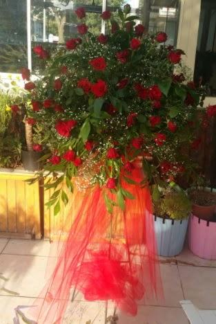71 adet kırmızı gülden ferförje çiçeği  Ankara çiçek , çiçekçi , çiçekçilik