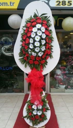 Yapay gerbera çiçeklerinden çift katlı çiçek  Ankaraya çiçek yolla