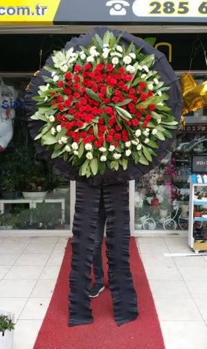 Cenaze çiçeği cenaze çelengi çiçek modeli  Ankarada çiçek gönderme sitemiz güvenlidir