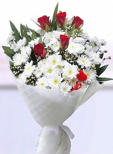 Sevdiğime papatya ve 5 kırmızı gül buketi  Ankara 14 şubat sevgililer günü çiçek