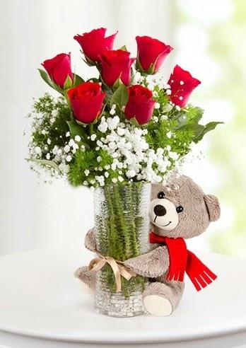 Cam vazoda 7 kırmızı gül ve peluş ayı  Ankaraya çiçek yolla