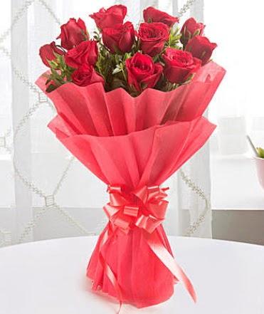 12 adet kırmızı gülden modern buket  Ankara çiçek gönderme