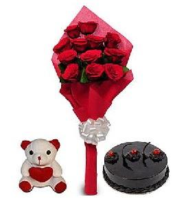 9 adet gül 20 cm civarı ayıcık ve yaş pasta  Ankara 14 şubat sevgililer günü çiçek